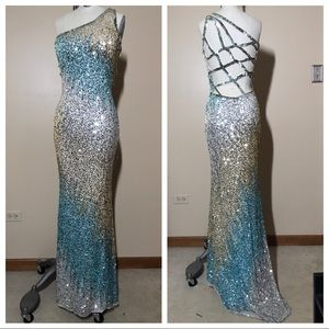 🌟NWOT Sequin Prom Dress- Peaches Chicago